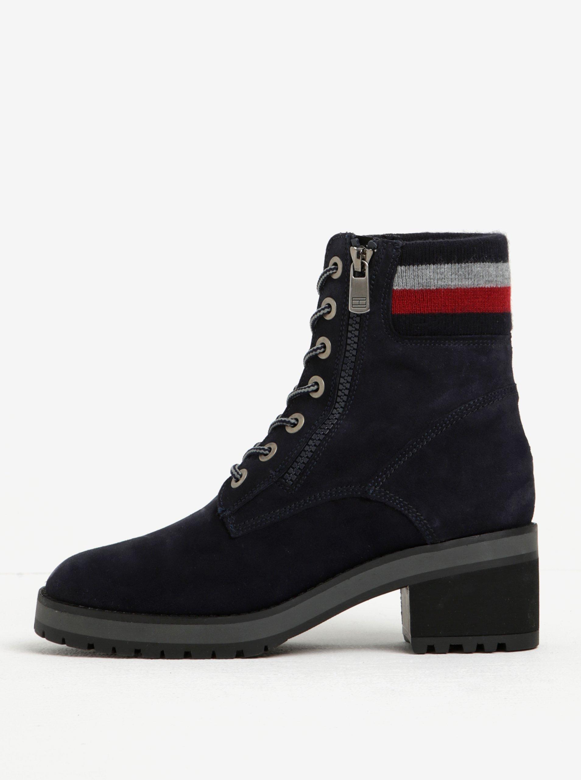 Tmavě modré dámské semišové kotníkové boty s pruhy Tommy Hilfiger Alicia