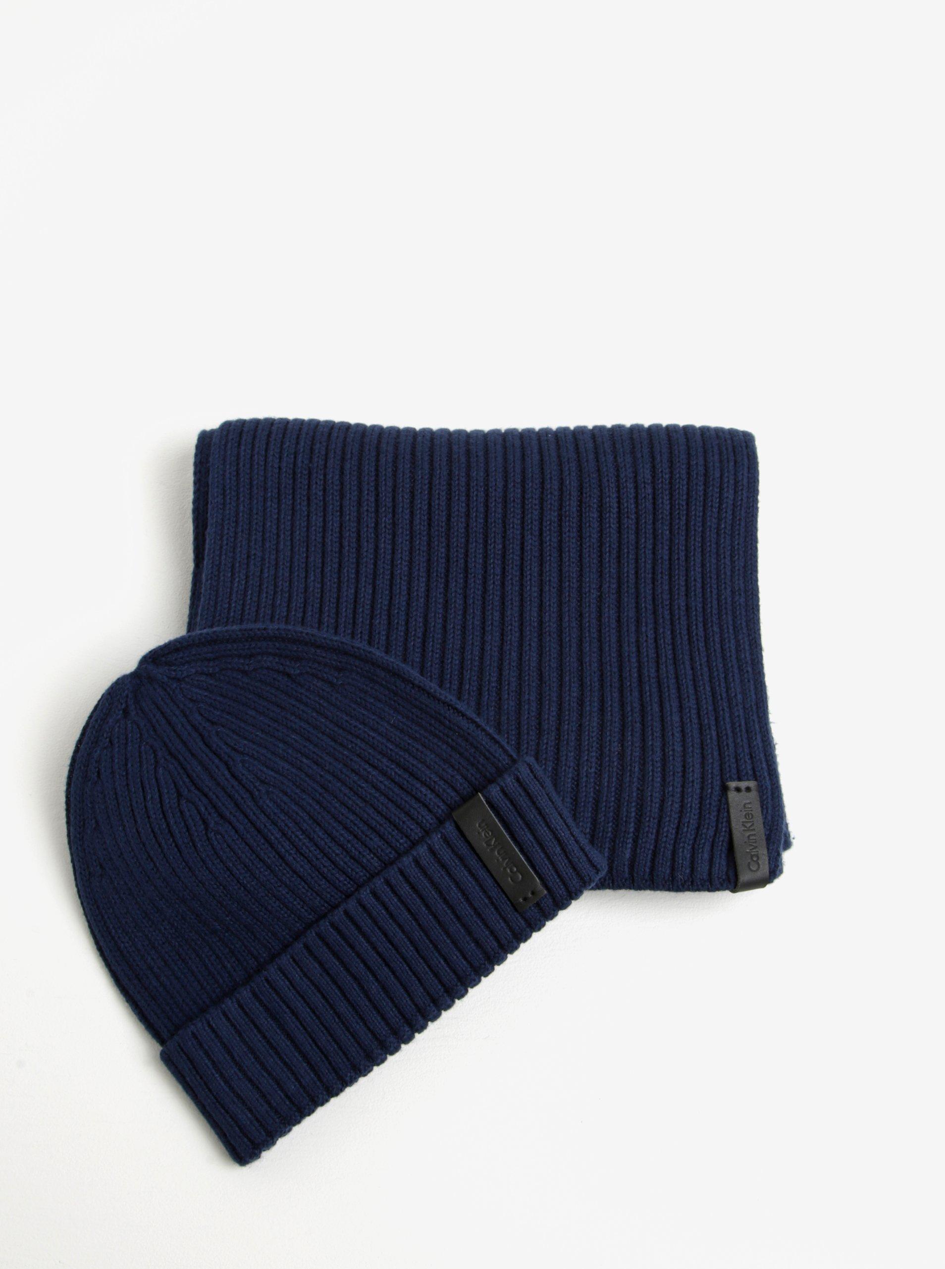 dba08734f33 Tmavě modrý pánský set čepice a šály Calvin Klein Jeans Octave MUŽI    Doplňky   čepice