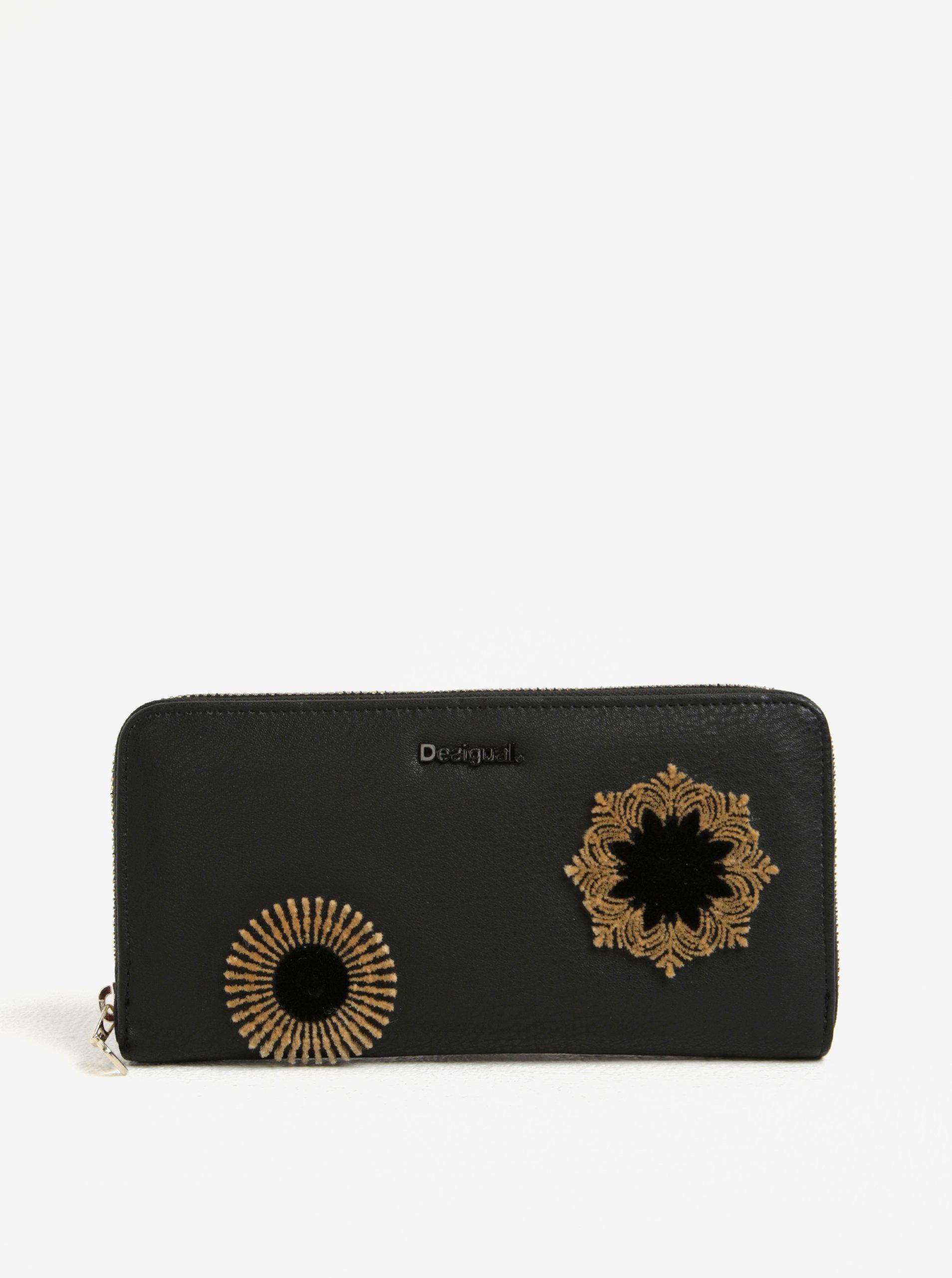 Hnědo-černá vzorovaná peněženka s plastickými detaily Desigual Fiona Rubi