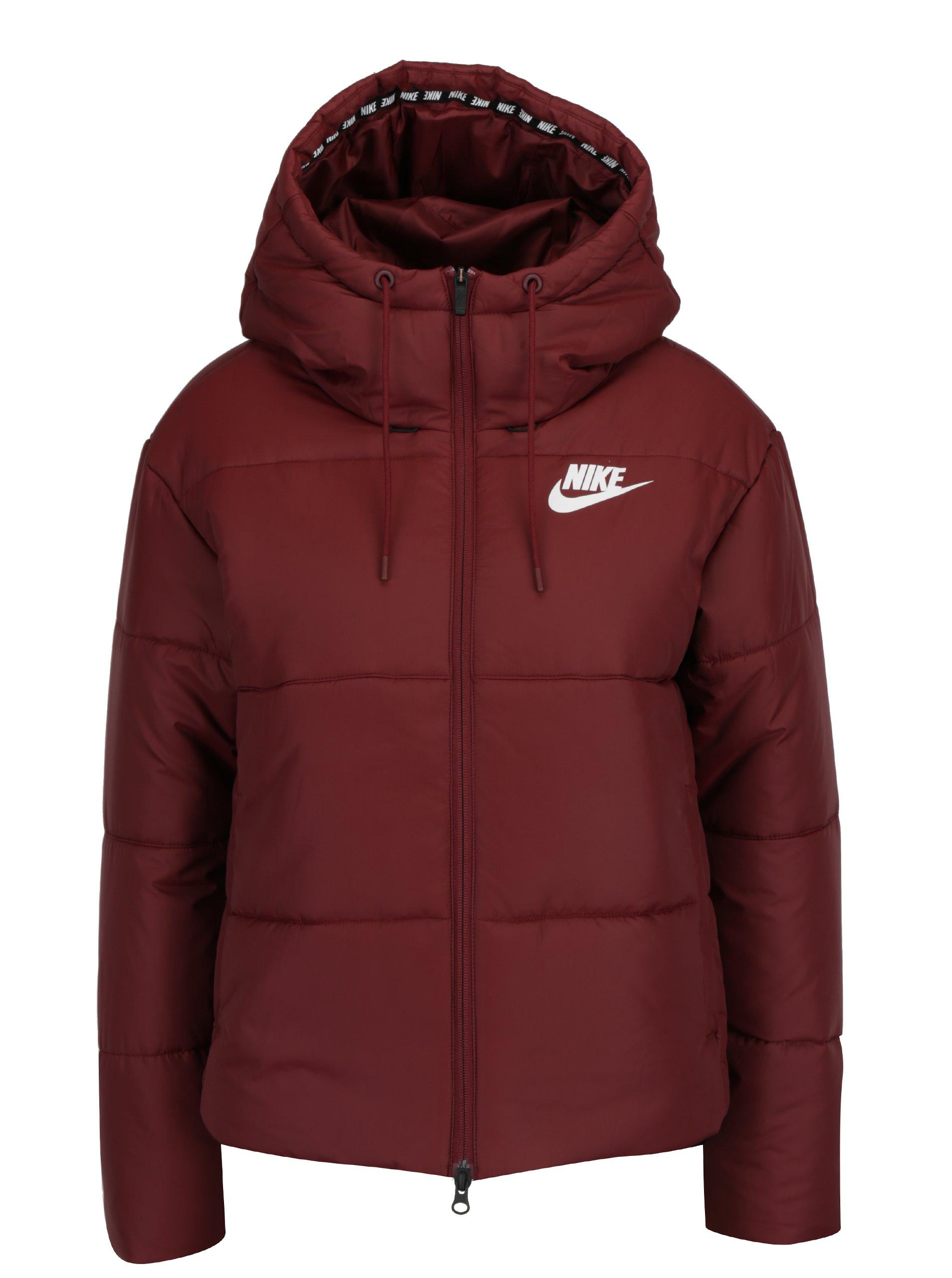 Vínová dámska zimná vodoodpudivá prešívaná bunda s kapucňou Nike Sportswear Fill