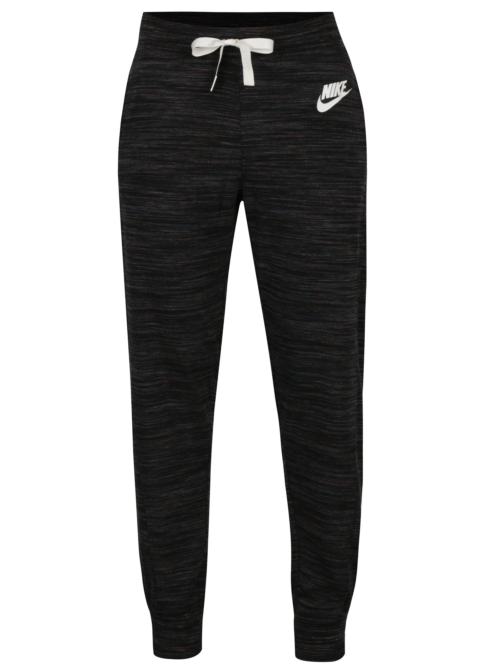 Černé dámské žíhané tepláky Nike Sportswear Gym