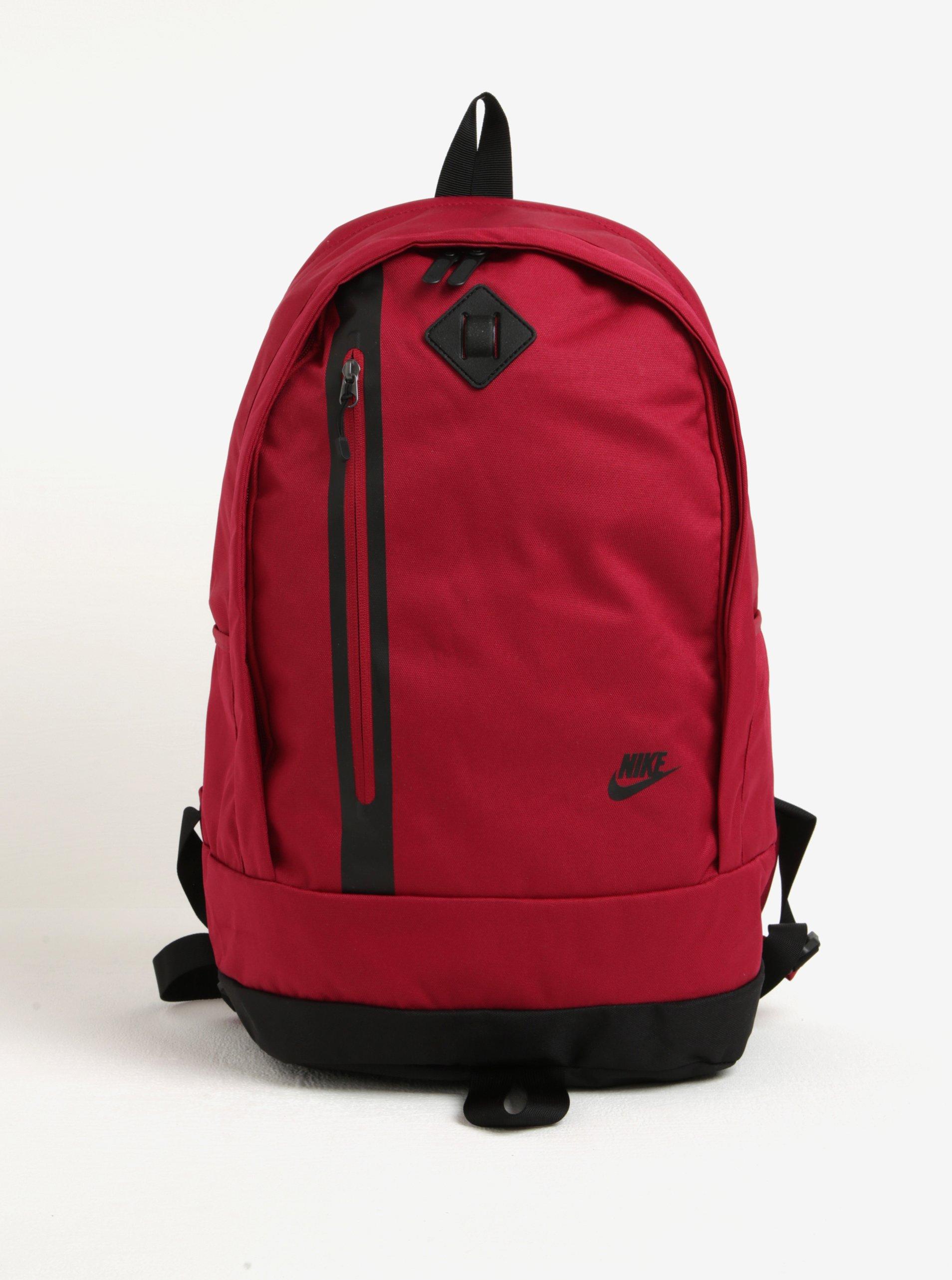 Červený batoh Nike Cheyenne 27 l