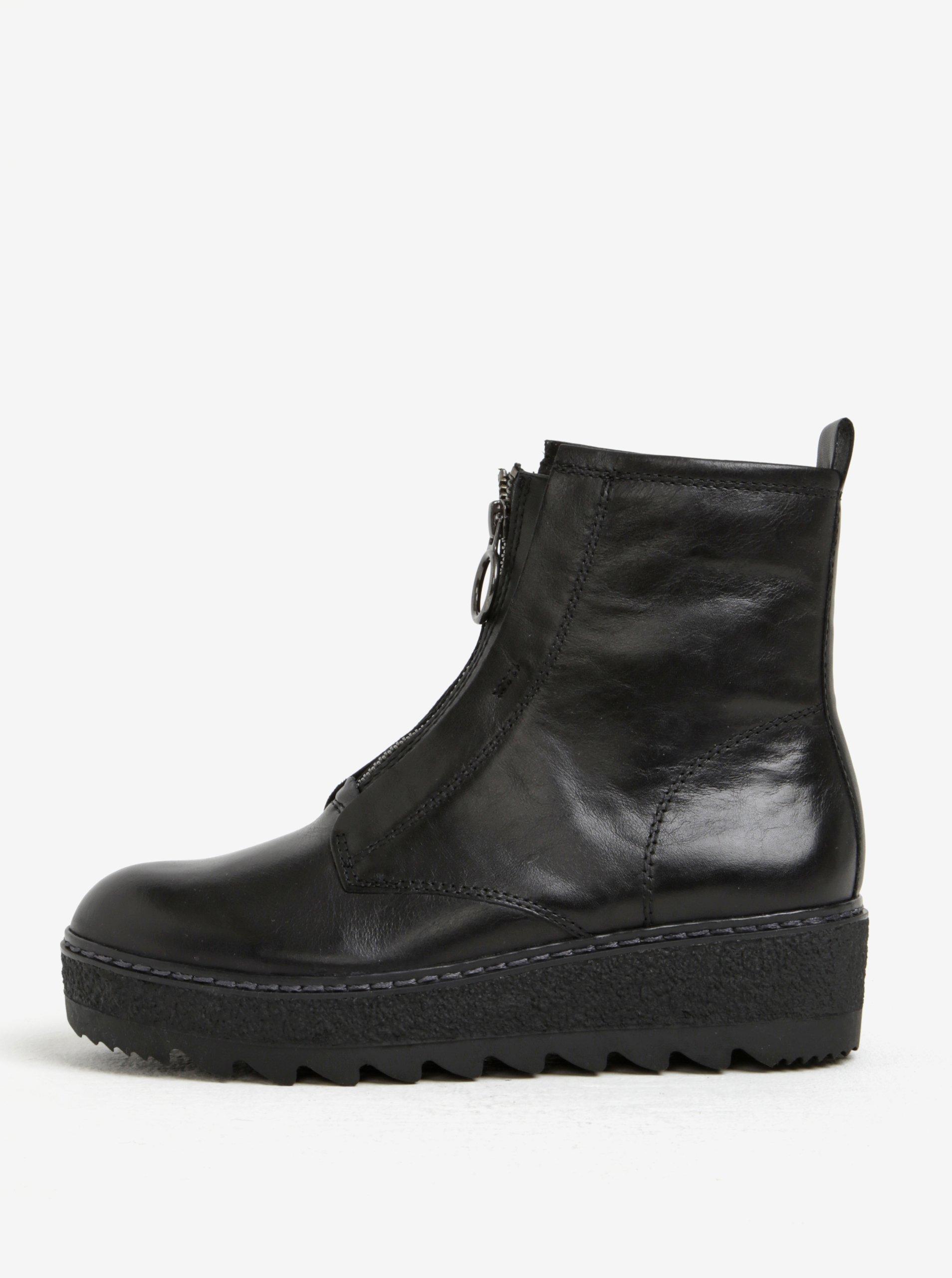 9a3e6b5f0686 Čierne kožené členkové topánky na platforme so zipsom Tamaris