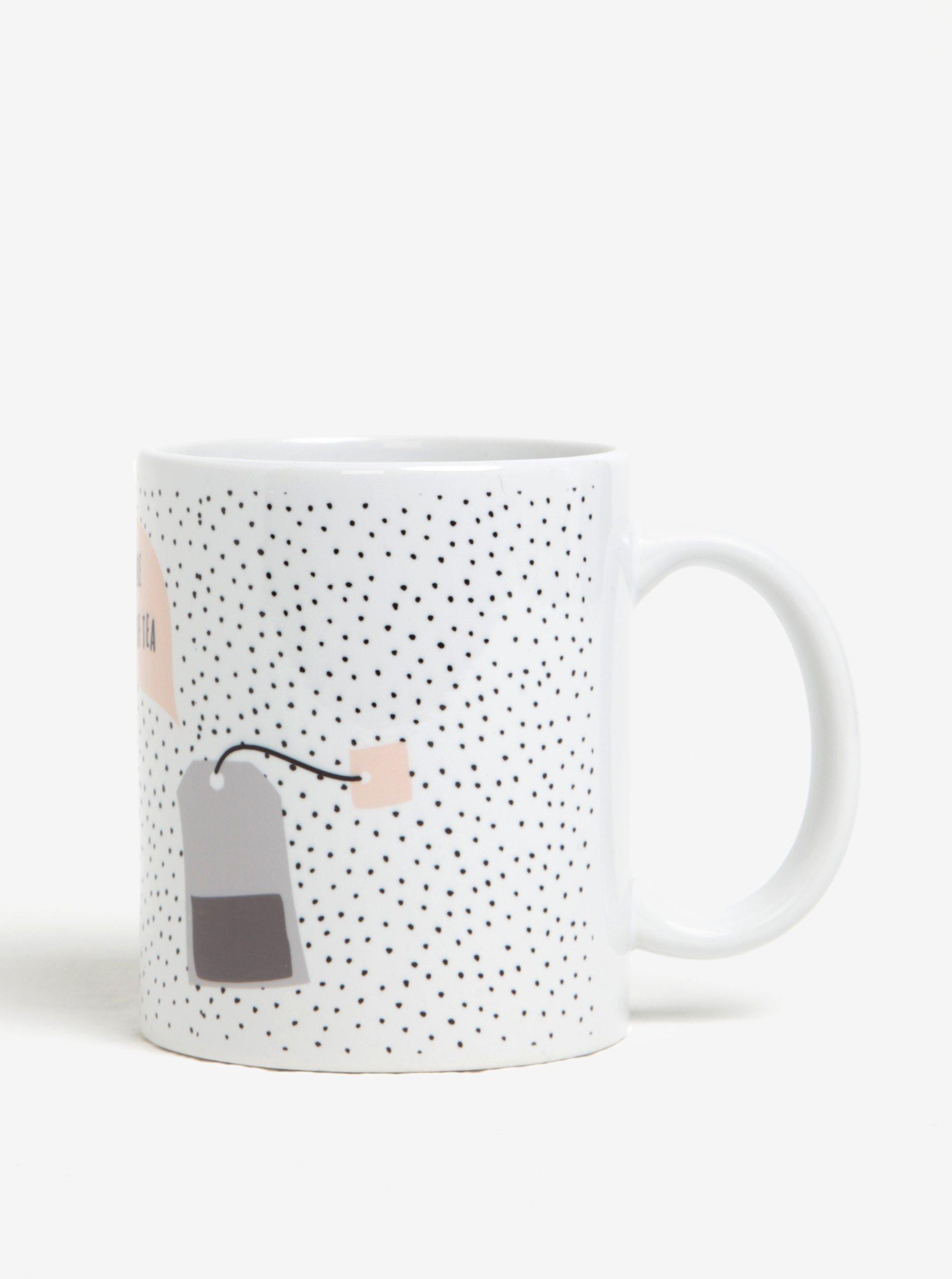 Biely bodkovaný hrnček s motívom šálky a vrecúška čaju Butter Kings