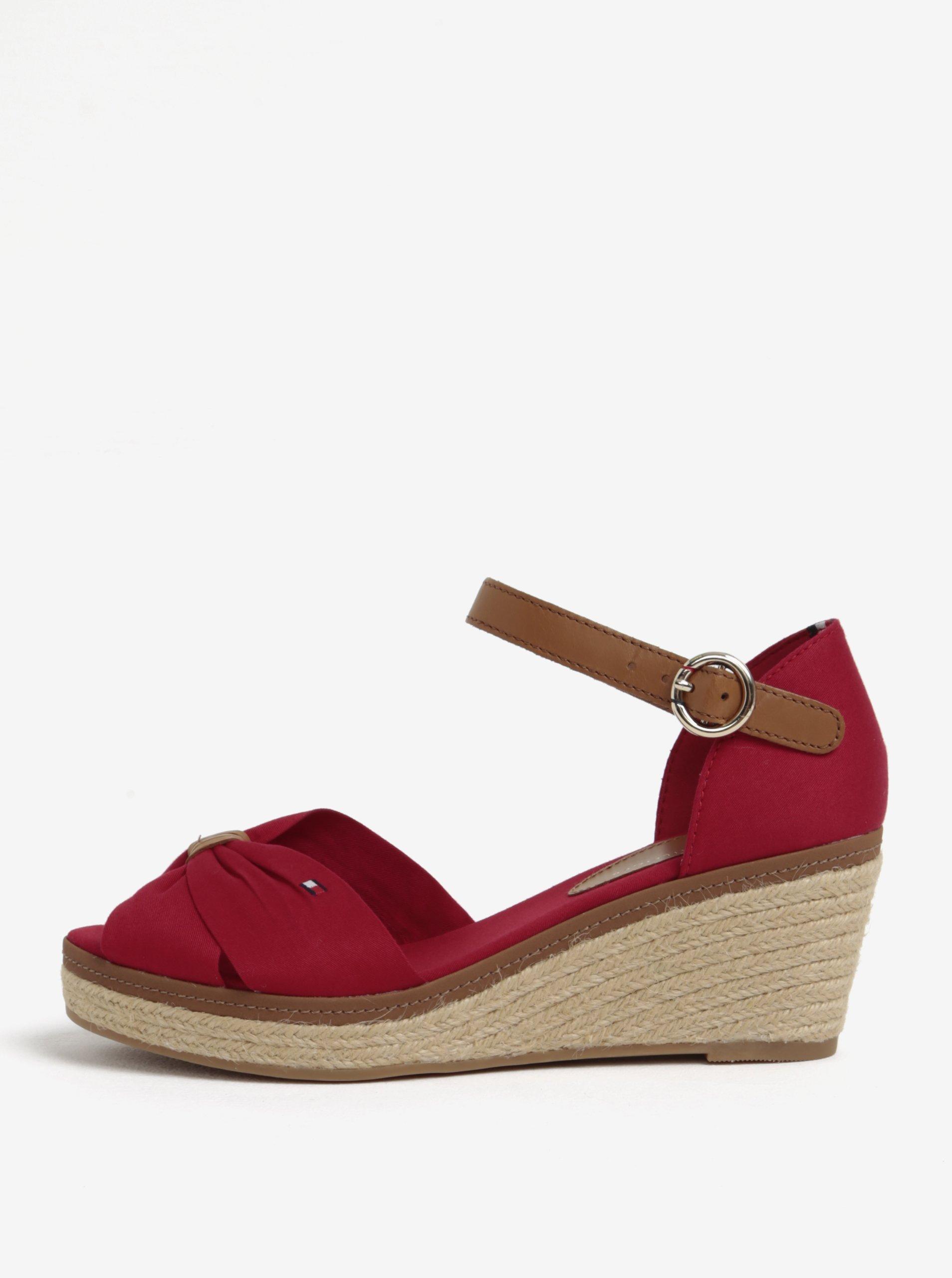 07221e748fd6 Červené sandále na klinovom podpätku Tommy Hilfiger