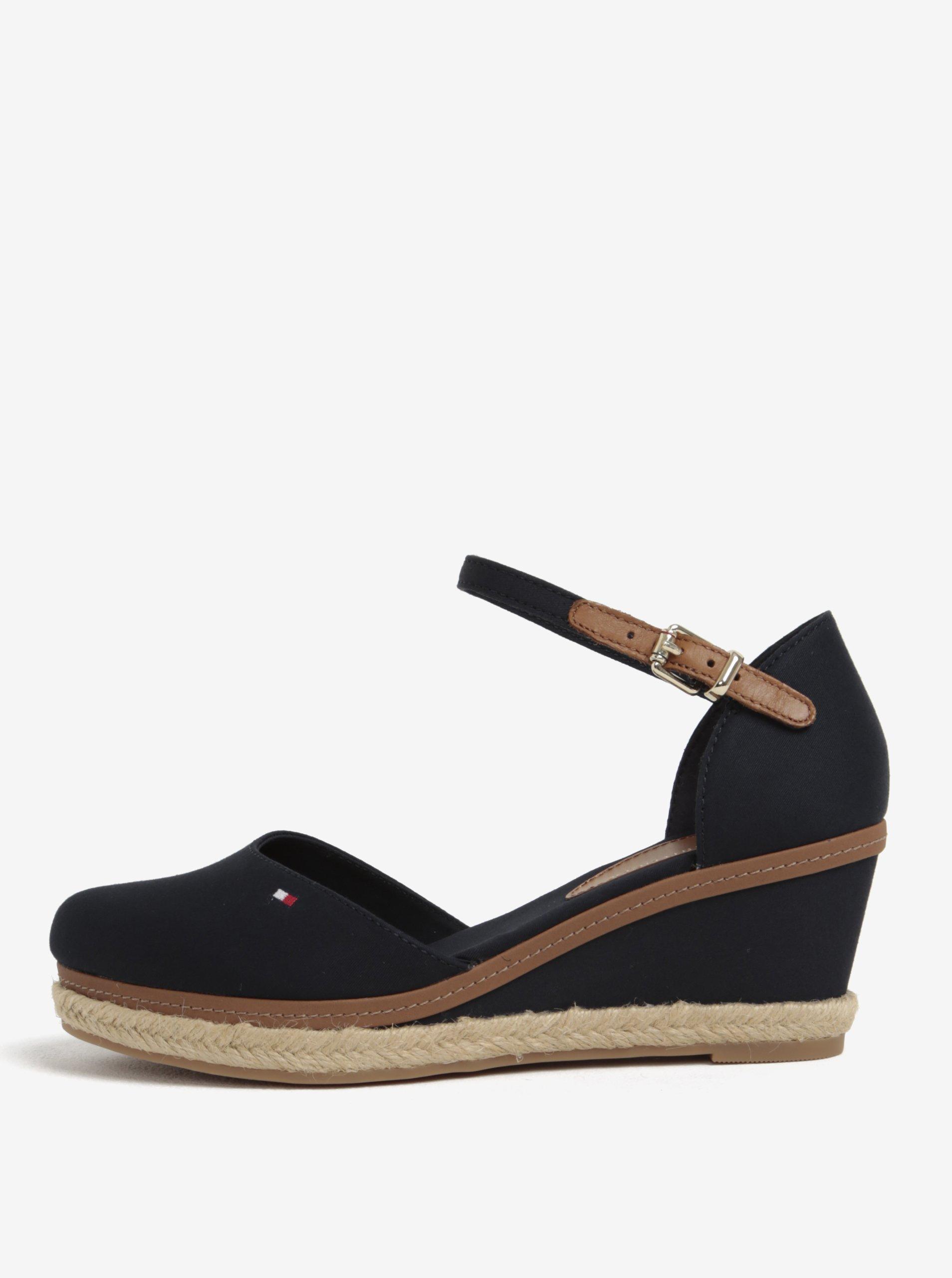 e35d402a5307 Tmavomodré sandále na plnom podpätku Tommy Hilfiger