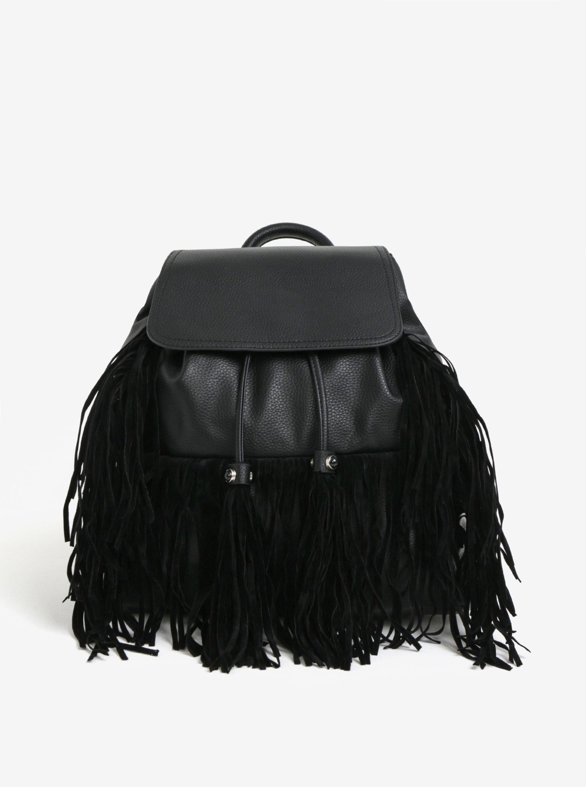 Fotografie Černý batoh s třásněmi Miss Selfridge