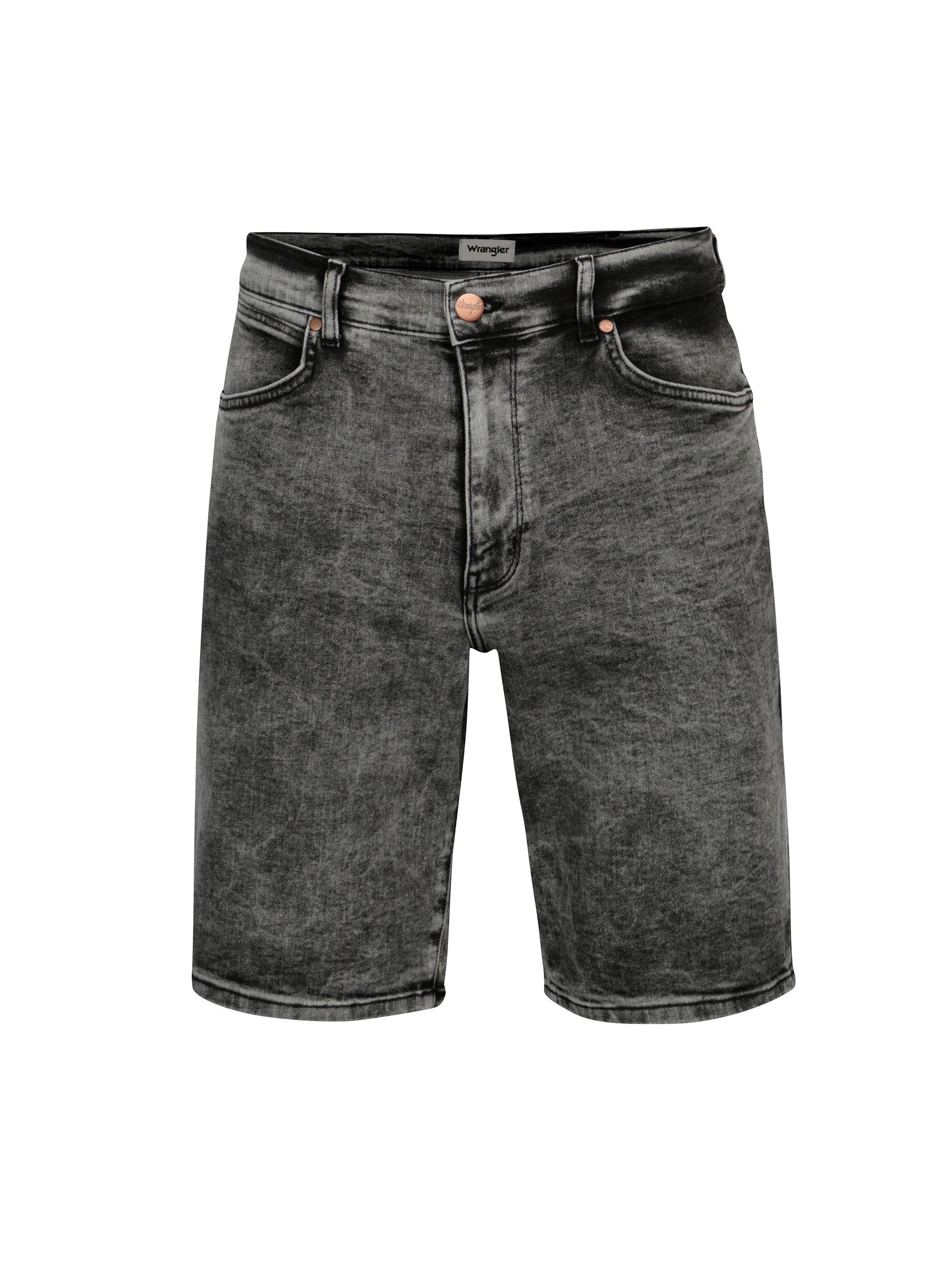 Tmavě šedé pánské džínové kraťasy Wrangler ba650ec54f