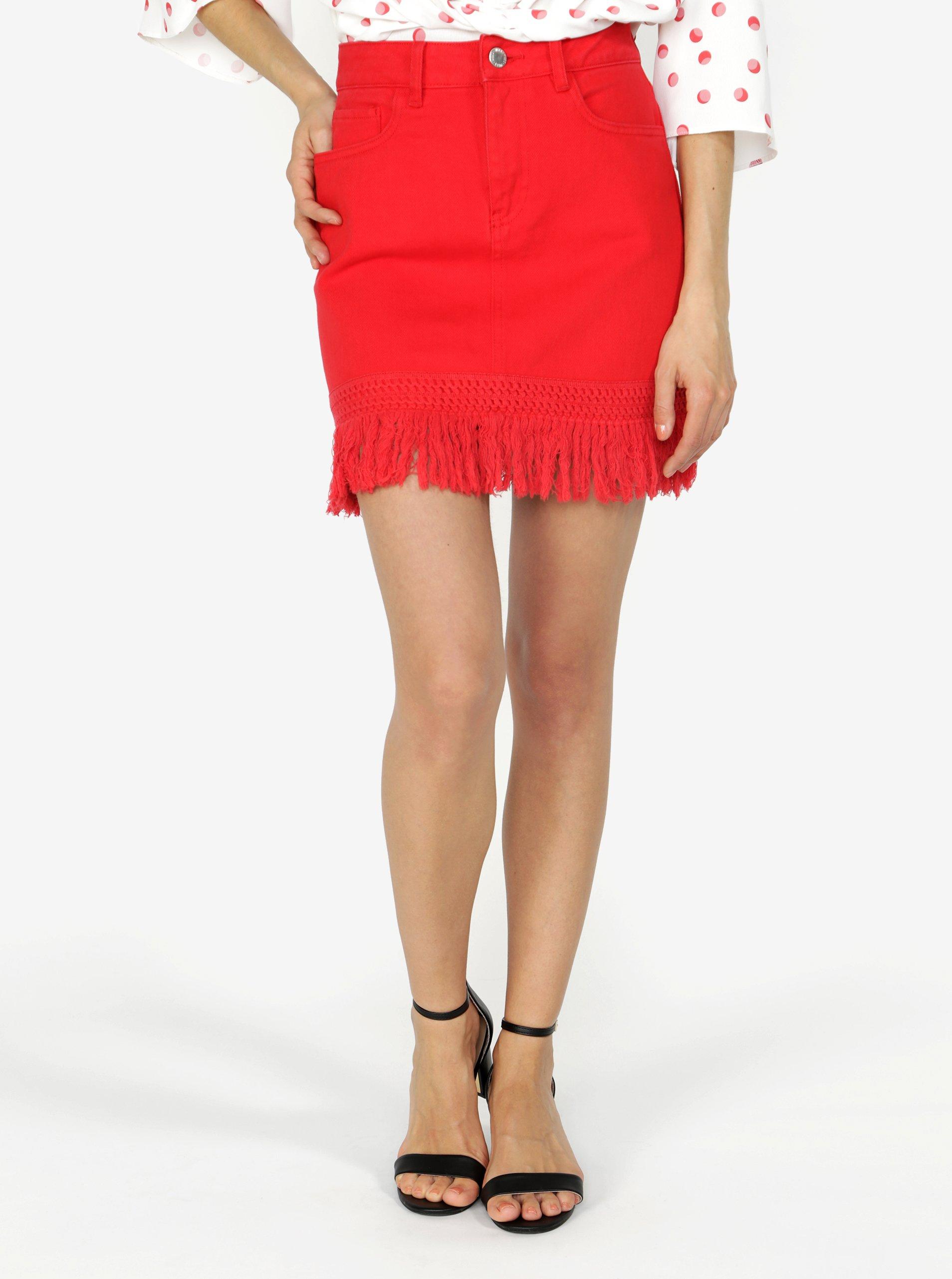 červená džínová sukně s třásn?mi Miss Selfridge