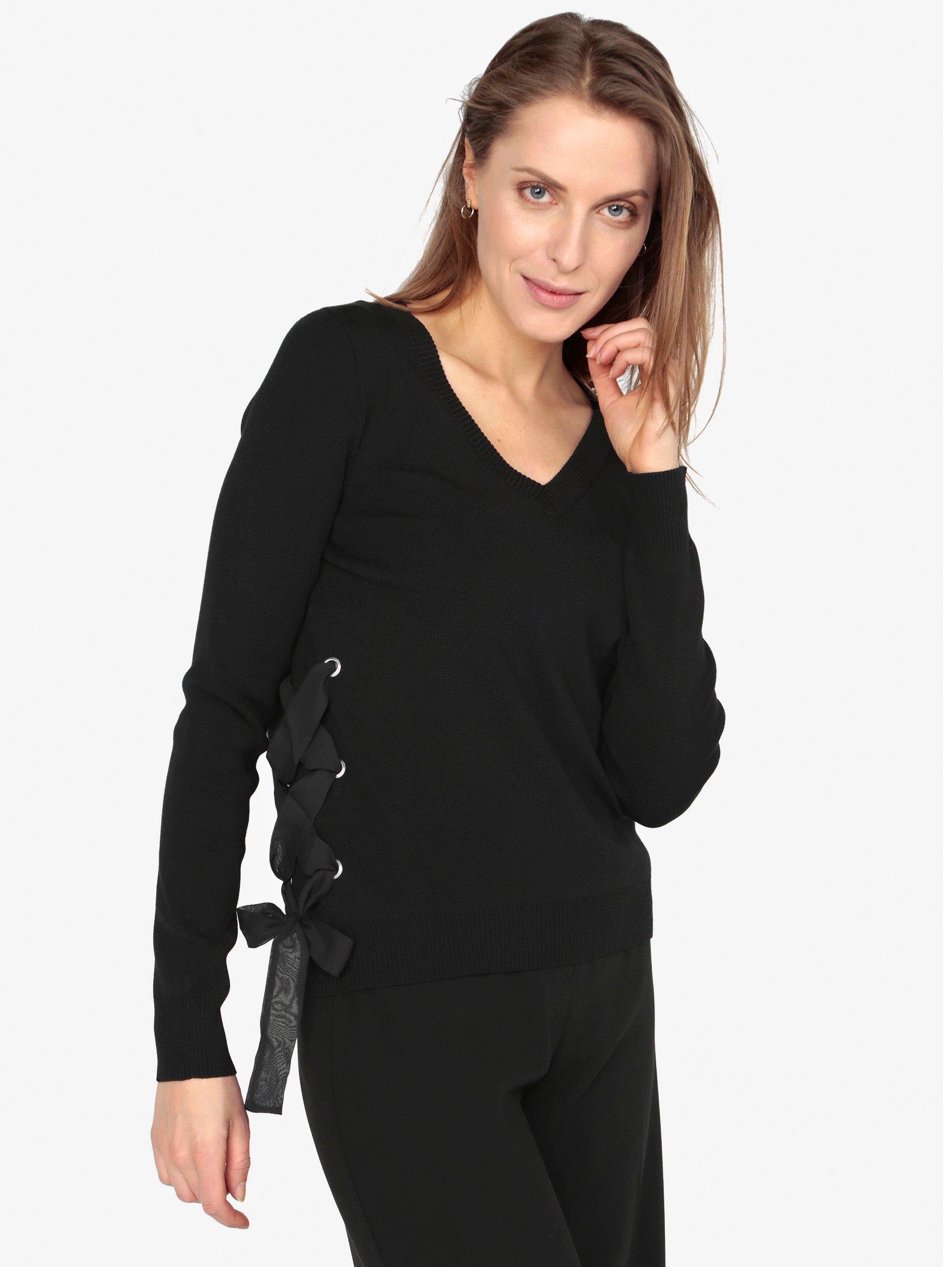 Fotografie Černý svetr s véčkovým výstřihem a šněrováním VERO MODA Babetta
