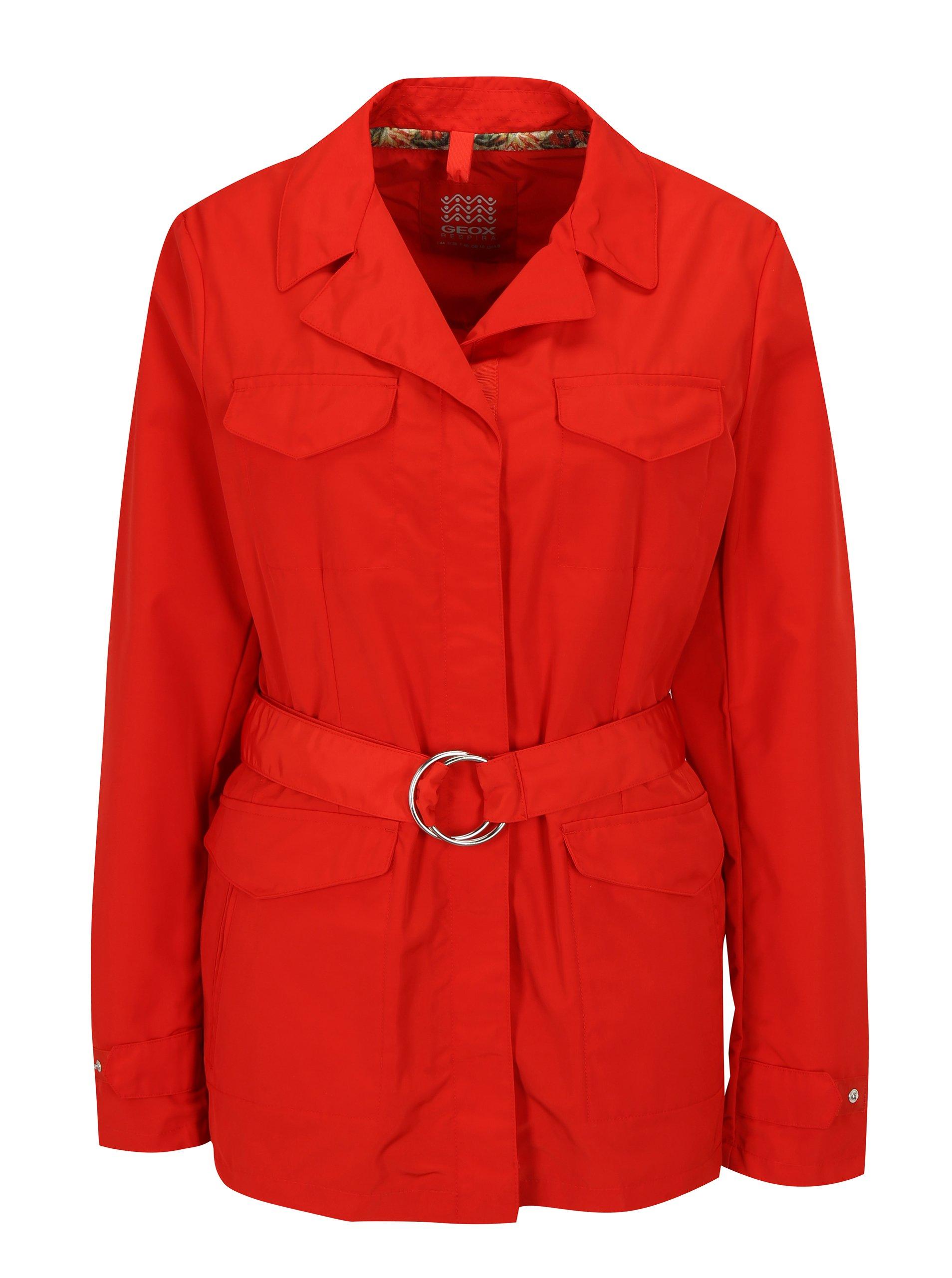 Fotografie Červená dámská bunda s páskem Geox