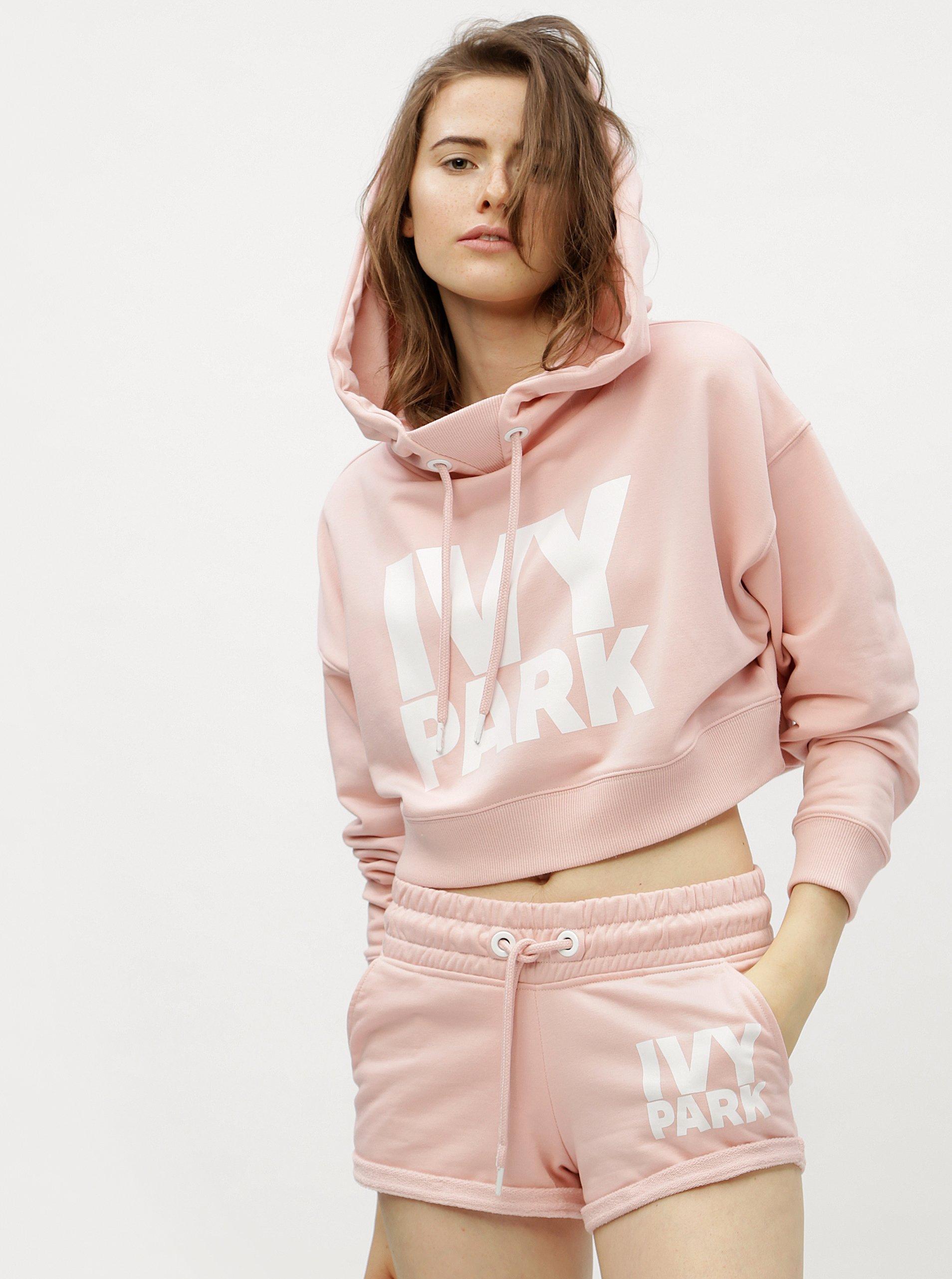 Světle růžová oversize krátká mikina s kapucí Ivy Park 8a96641620