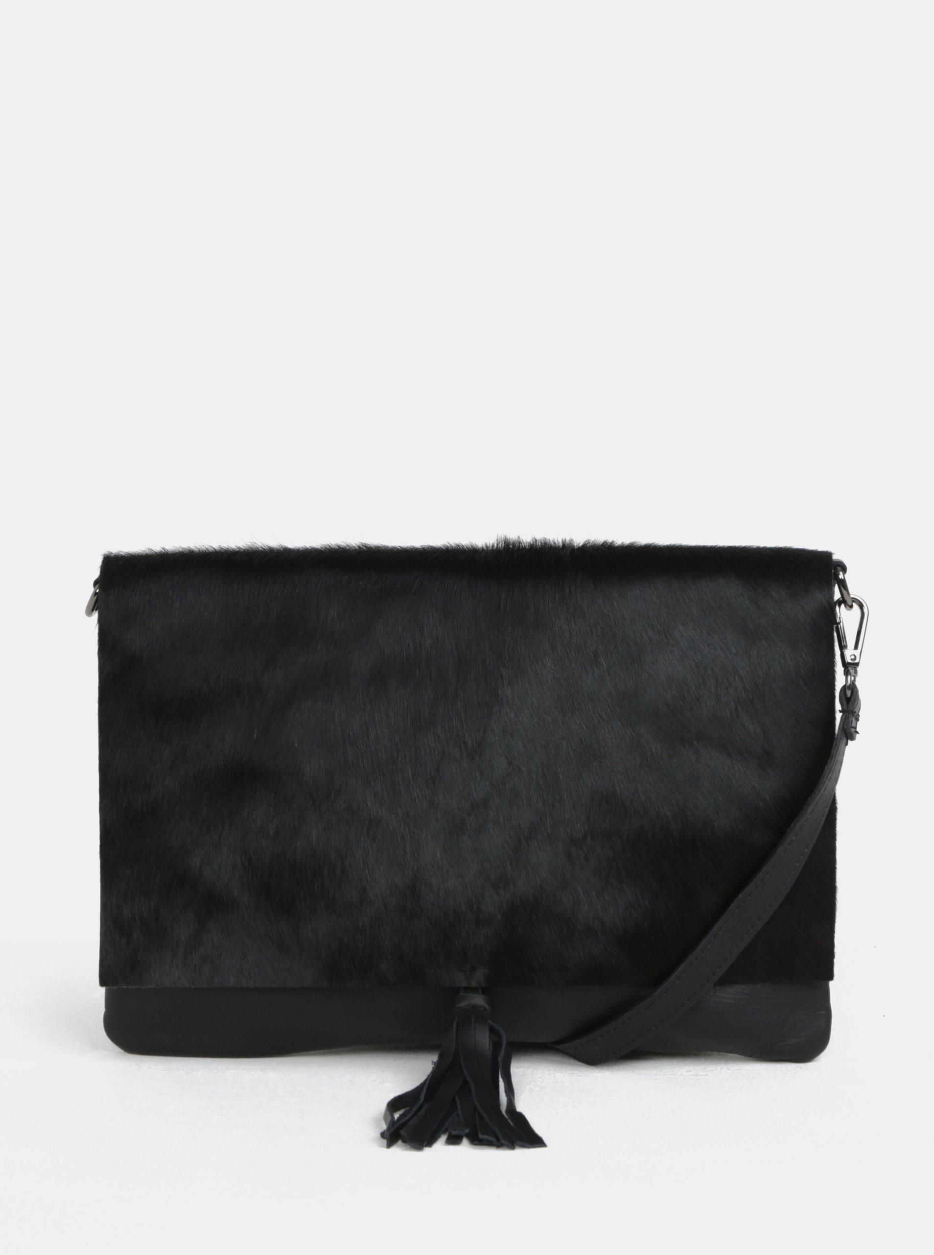 Černá kožená crossbody kabelka s kožešinovou klopou ZOOT 7eb7fe77f5