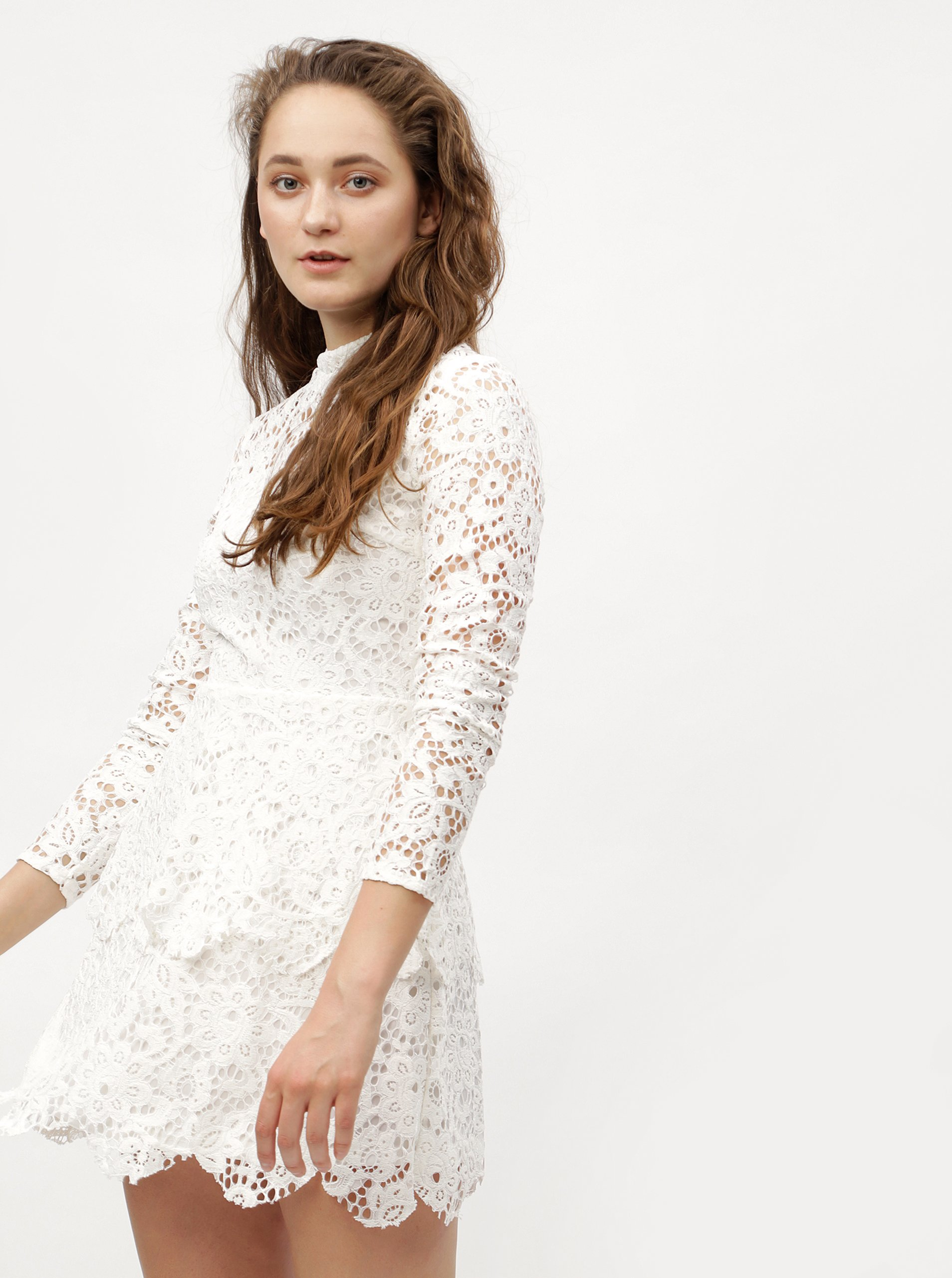 2dec41bcc32 Bílé krajkové šaty s dlouhým rukávem MISSGUIDED