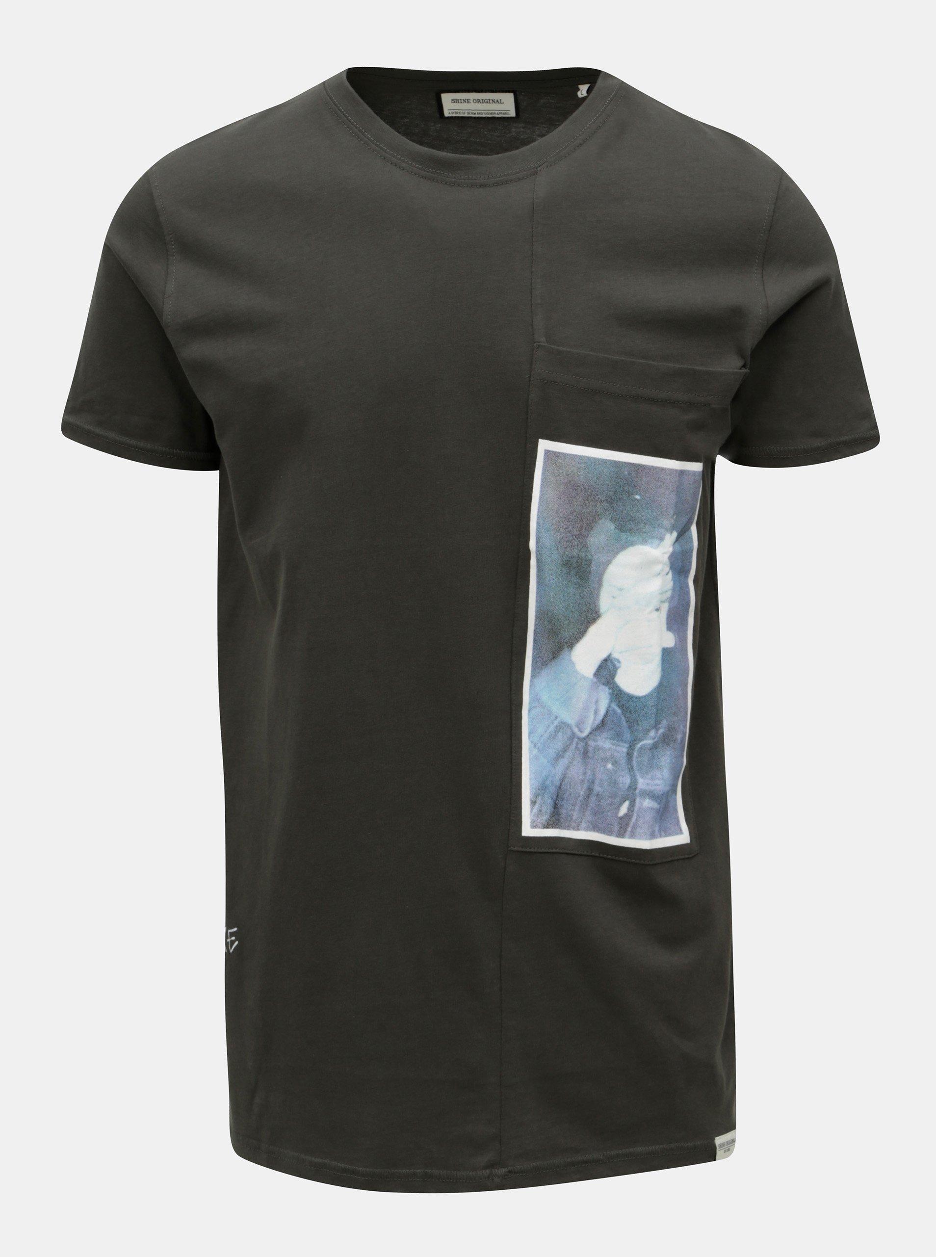 Tmavě šedé tričko s potiskem a náprsní kapsou Shine Original
