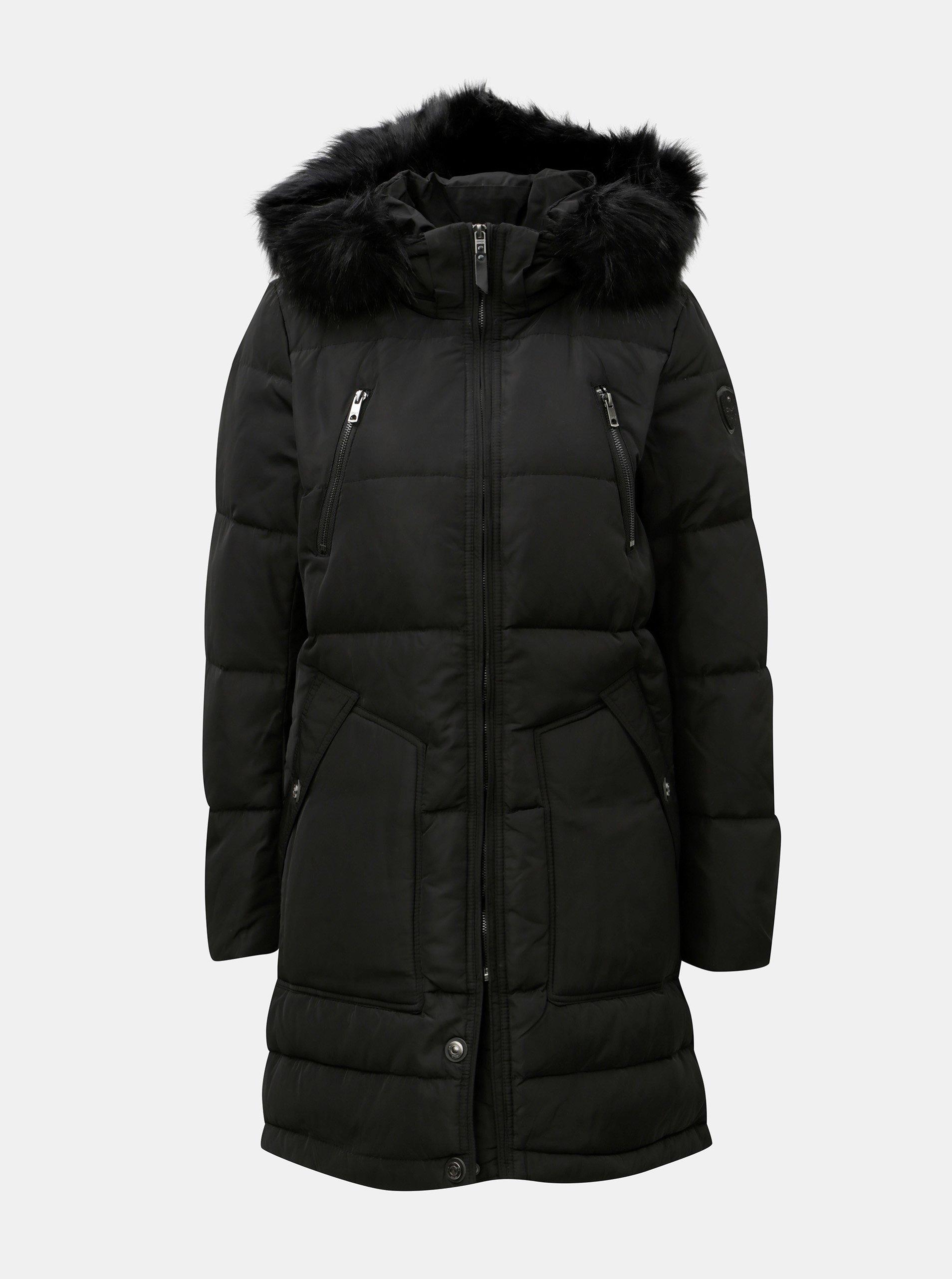 Černý prošívaný zimní kabát s umělým kožíškem ONLY Saga