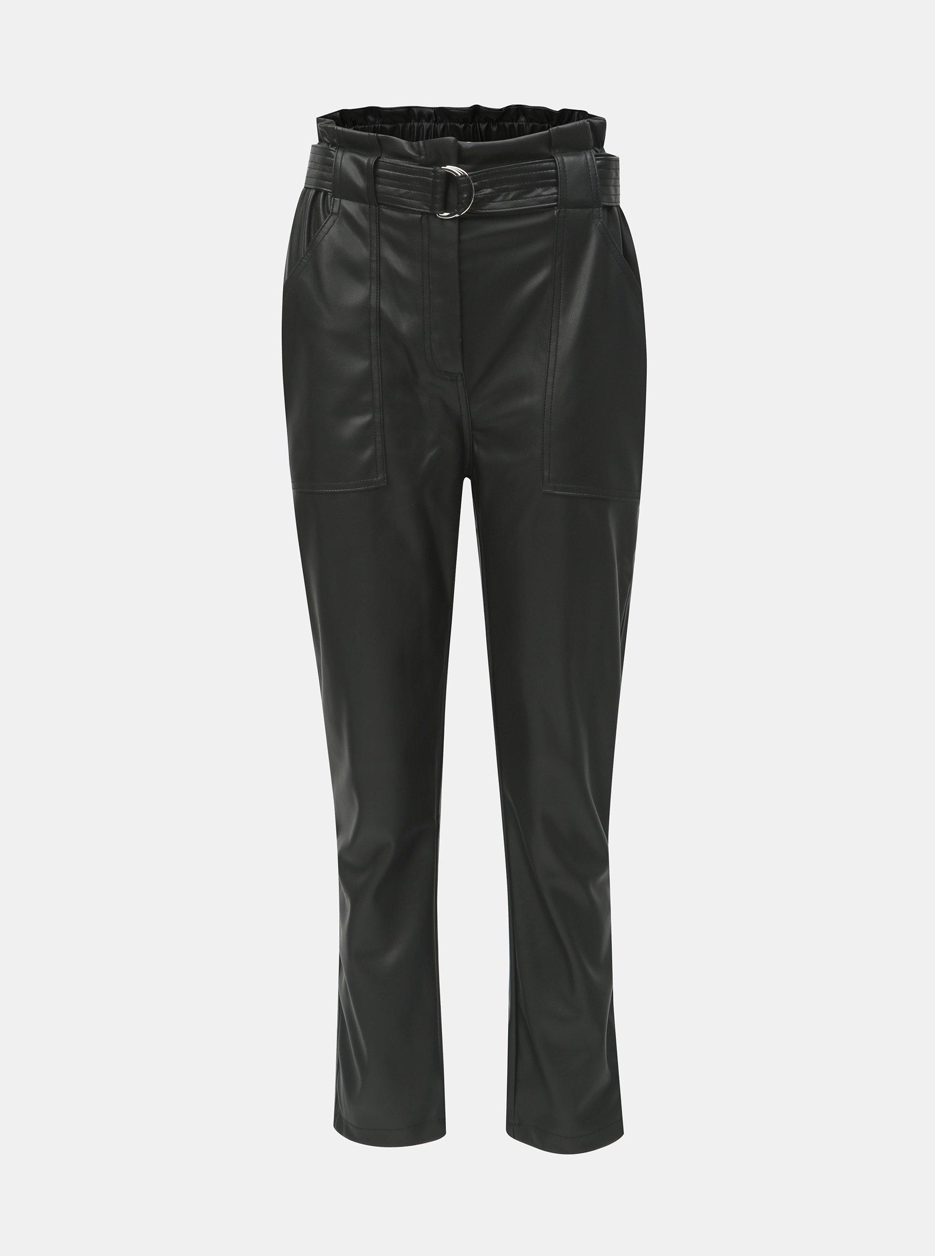 b5eedea28c6d Černé koženkové kalhoty s páskem a vysokým pasem TALLY WEiJL