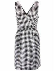 Čierno-biele šaty s vreckami Dorothy Perkins