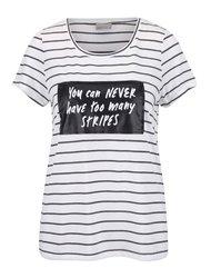 Tricou crem Vero Moda cu model în dungi și print cu text