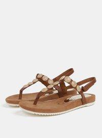 Hnědé sandály s detaily ve zlaté barvě Tamaris - 3