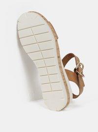 Hnědé kožené sandály na klínku Tamaris - 1