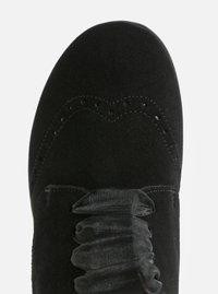 Černé semišové tenisky s brogue efektem OJJU - 4