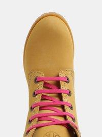 Růžovo-hnědé kožené kotníkové boty se semišovými detaily OJJU - 4