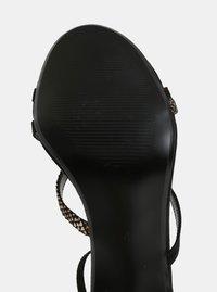 Černé sandálky v semišové úpravě na jehlovém podpatku Dorothy Perkins - 1