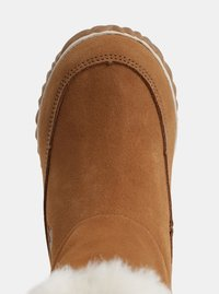 Hnědé dámské semišové zimní kotníkové boty SOREL OUT N ABOUT - 1