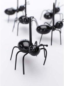 Kolekcia dvadsiatich napichovadiel v tvare mravcov Kikkerland