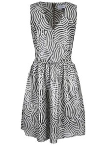 Černo-bílé vzorované lesklé šaty Closet