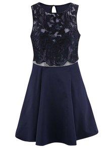 Tmavě modré šaty s krajkou a ozdobným páskem Lipsy