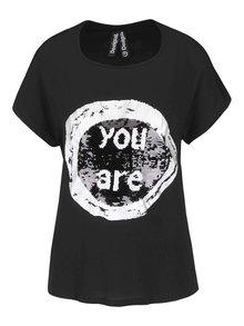 Černé tričko s potiskem s flitry Desigual Bolonia