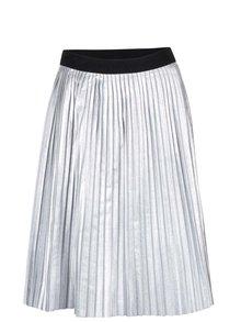 Plisovaná koženková sukně ve stříbrné barvě ZOOT