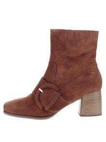 Hnedé semišové topánky s prackou Tamaris