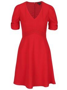 Červené šaty s nariasenými rukávmi Miss Selfridge