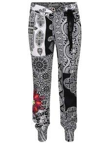 Černo-bílé vzorované kalhoty Desigual Olass