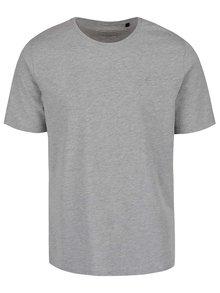 Šedé pánské žíhané triko s potiskem Perry Ellis Tour