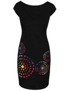 Černé šaty s barevnými ornamenty Desigual Olimpic