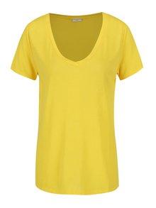 Žlté tričko s véčkovým výstrihom Jacqueline de Yong Spirit