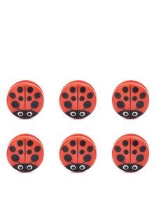 Sada šesti klipů na pytlíky v červené barvě ve tvaru berušky Kikkerland