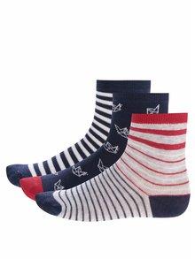 Sada tří párů klučičích vzorovaných ponožek v tmavě modré barvě 5.10.15.