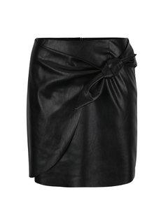 Čierna koženková sukňa s uzlíkom Miss Selfridge