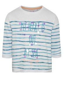 Modro-bílé pruhované holčičí tričko s vyšitým nápisem 5.10.15.
