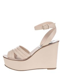 Béžové sandály na klínku Miss Selfridge