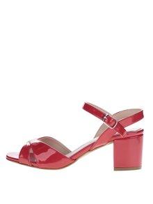 Červené lesklé sandálky na podpadku OJJU