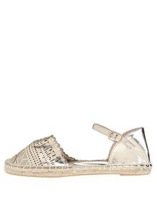 Perforované sandále v zlatej farbe Dorothy Perkins