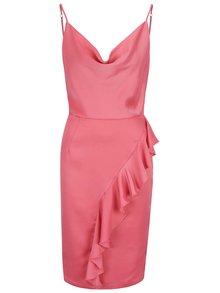 Růžové šaty s řasením v dekoltu a volánem Miss Selfridge