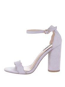 Svetlofialové sandále v semišovej úprave na podpätku Miss Selfridge