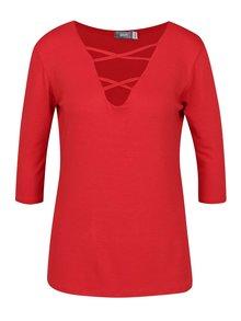Červené tričko s pásikmi v dekolte a 3/4 rukávom ZOOT